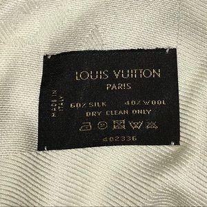 Louis Vuitton Accessories - LOUIS VUITTON Shawl